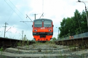 Поезд сбил юношу в Мурино