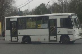 Маршрутка потеряла колеса в Павловске