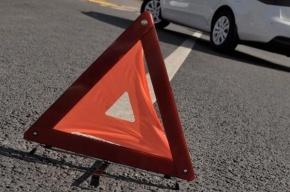 Пьяный водитель врезался в людей на остановке: есть жертвы