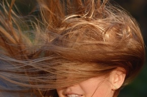 МЧС предупреждает о сильном ветре и гололедице