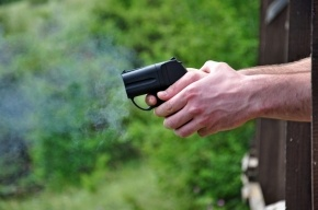 Пятилетняя жительница Кемерово выстрелила себе в глаз из пистолета отца