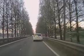 Пассажирка на ходу выпрыгнула из такси в Пушкине