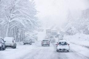 МЧС снова предупреждает о снегопаде в Петербурге