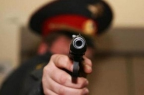 Пьяного водителя полицейские задерживали со стрельбой