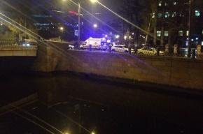 Очевидцы: человека на самокате сбили на набережной Карповки