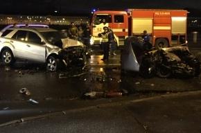 «ВАЗ» влетел в Mercedes на Октябрьской набережной, погиб водитель