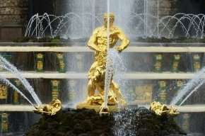Петербургские фонтаны ушли на «зимние каникулы»