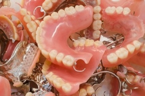 Фура с зубными протезами на 30 млн рублей пропала по дороге из Петербурга