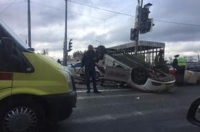Ребенок пострадал в ДТП с такси на Обводном канале