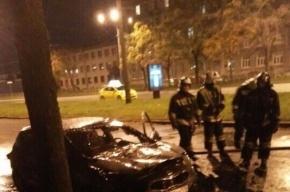 KIA на Наличной улице подожгли неизвестные на Volvo