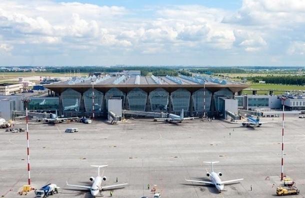Полиция частично оцепила Пулково из-за подозрительного багажа