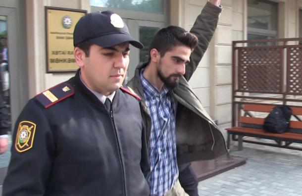 Десять лет за граффити получил азербайджанский анархист