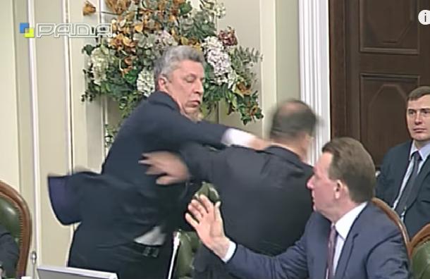 Депутата Ляшко во время заседания в Раде избил его коллега