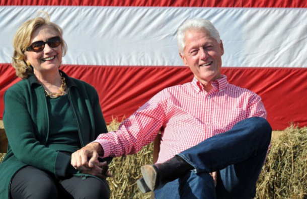 СМИ: семья Клинтон разводится после победы Трампа на выборах