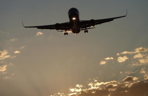 СМИ узнали о вероятной приостановке воздушного сообщения сТаджикистаном