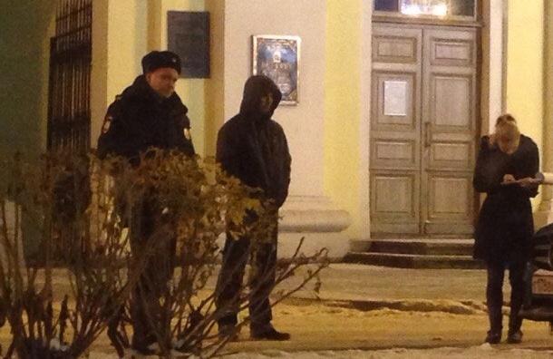 Пожилая женщина умерла на руках автомобилистов у Александро-Невской Лавры