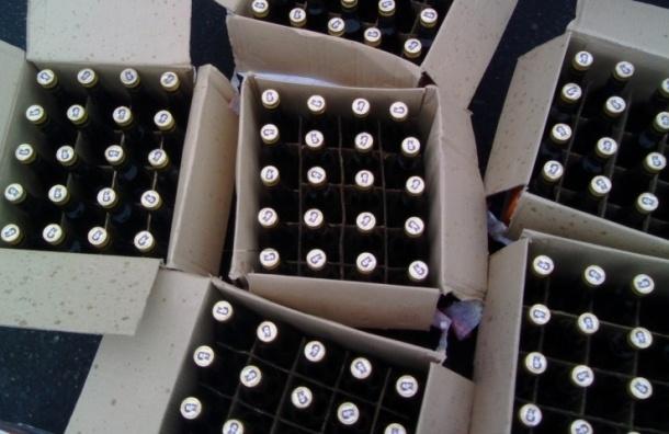 ВПетербурге сосклада МВД находчивые преступники похитили млн литров спирта