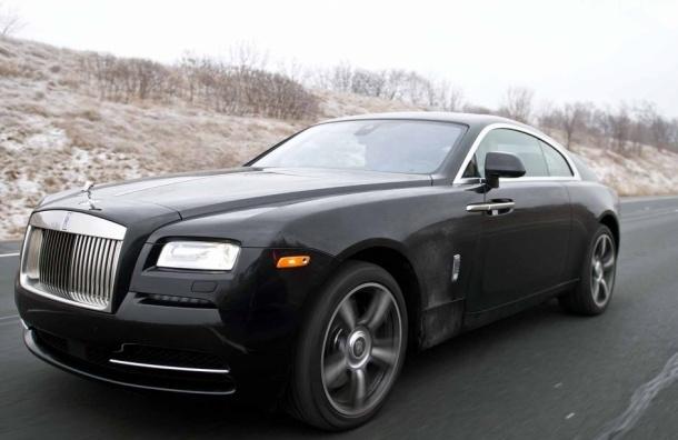 Бизнесмен лишился черного Rolls-Royce за 20 миллионов рублей