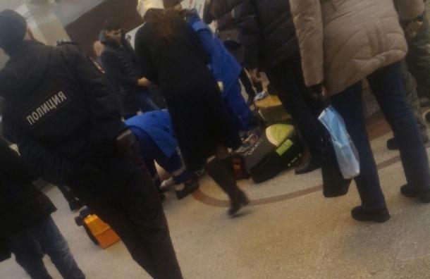 Пассажир вдруг скончался настанции метро «Спортивная»