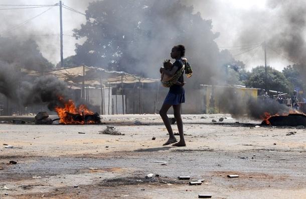 Более 70 человек погибли в Мозамбике из-за взрыва бензовоза
