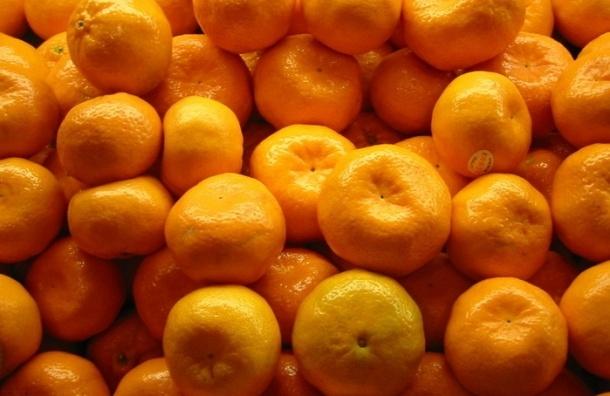Таксист в Подмосковье усыплял пассажиров мандаринами со снотворным и грабил их
