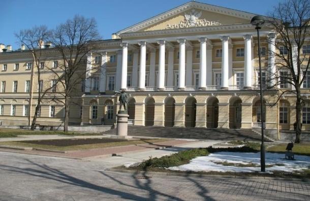Смольный не сможет до конца года потратить 14,5 млрд рублей