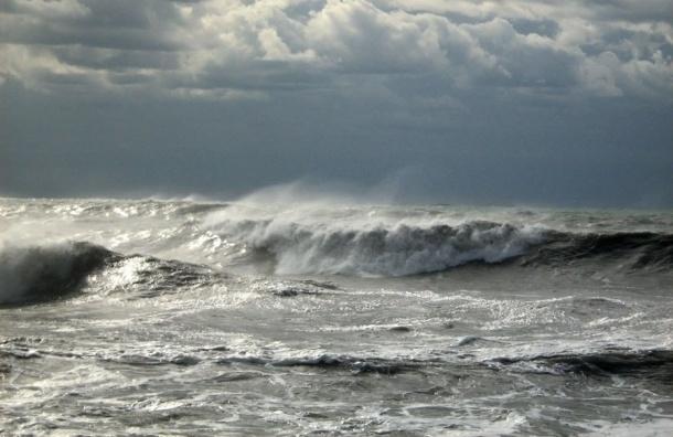 Штормовой ветер поднимет метровые волны в Финском заливе