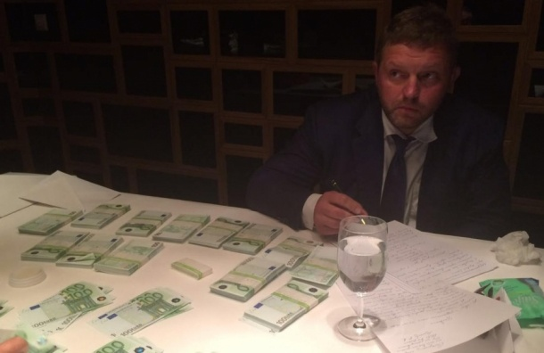 СМИ: Белых предложили домашний арест за показания против Навального