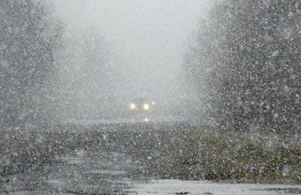 Снег идет в Санкт-Петербург