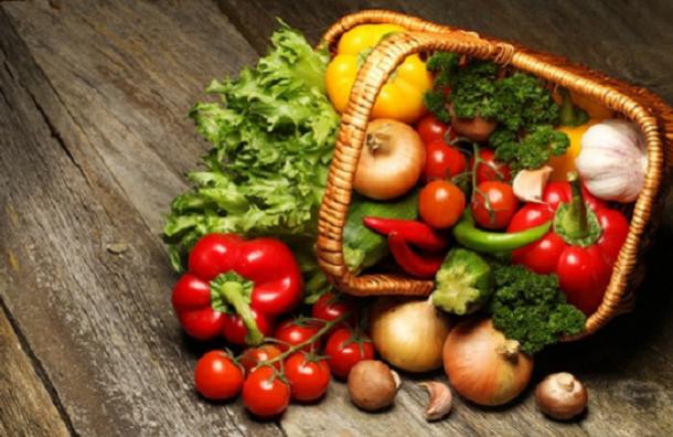 Россияне пожаловались на дорогие овощи и фрукты