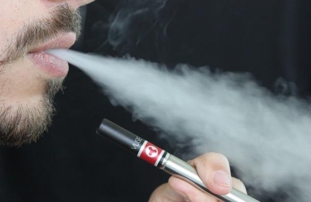 Депутаты Ленобласти хотят вейпинг приравнять к курению