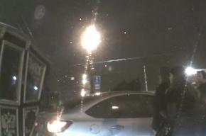 Очевидцы: на Невском проспекте карета «задавила» Lada Granta