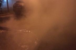 Двор дома на Народной улице залило кипятком из лопнувшей трубы