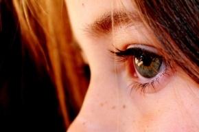 Ученые узнали, почему во время разговора люди не смотрят друг другу в глаза