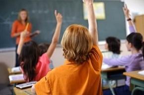 Воспитатель потеряла школьника во время экскурсии по Александро-Невской лавре
