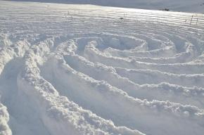 Спасатель умер во время уборки снега в Невском районе