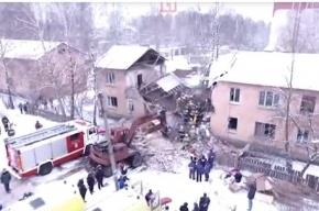 Живого мужчину нашли под завалами дома в Иваново