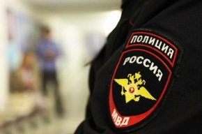 Педофила, сожительствовавшего со школьницей, ищут в Петербурге