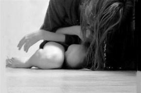 Петербурженку заперли в квартире на Десантников и пять дней насиловали
