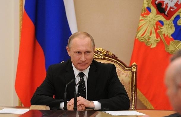 Путин рассказал, как его в 1952 крестил отец патриарха Кирилла