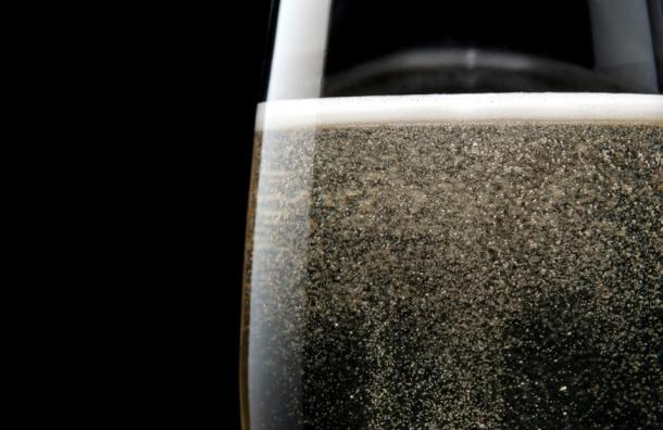 Треть представленного на рынке России шампанского — газировка