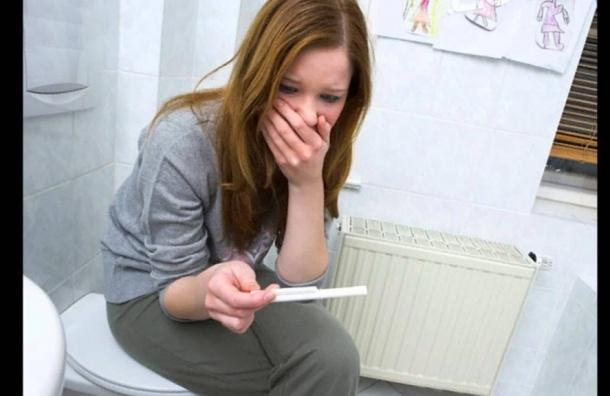 Несовершеннолетняя беременная устроила побег из клиники вПетербурге