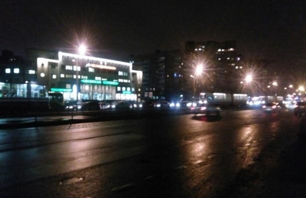 Движение трамваев парализовано на улице Ильюшина
