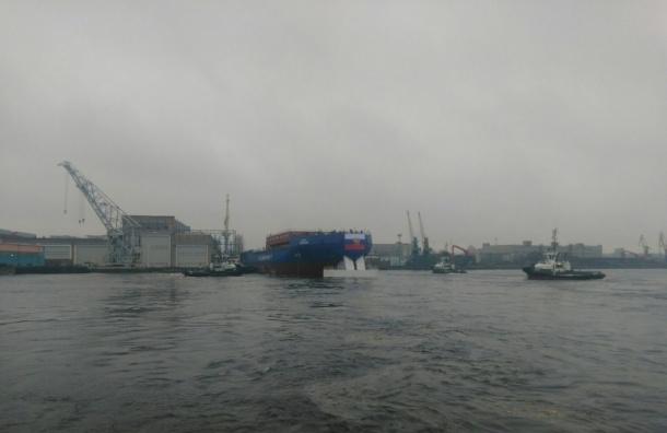 ВПетербурге спустили наводу ледокол «Виктор Черномырдин»