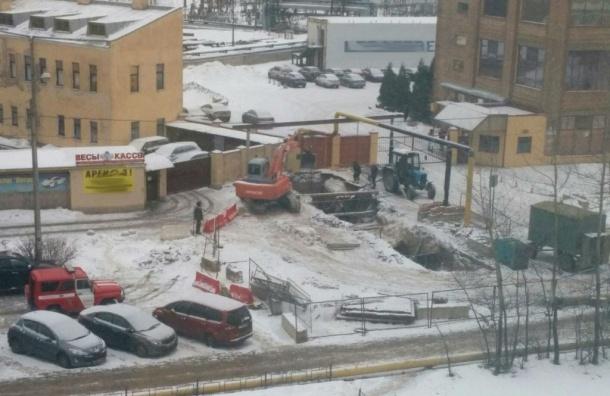 Неосторожные строители устроили утечку газа наБелоостровской