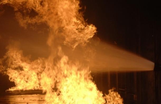 Изгорящего дома наРасстанной улице эвакуировали 30 человек