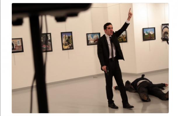 Посол России в Турции умер от огнестрельного ранения