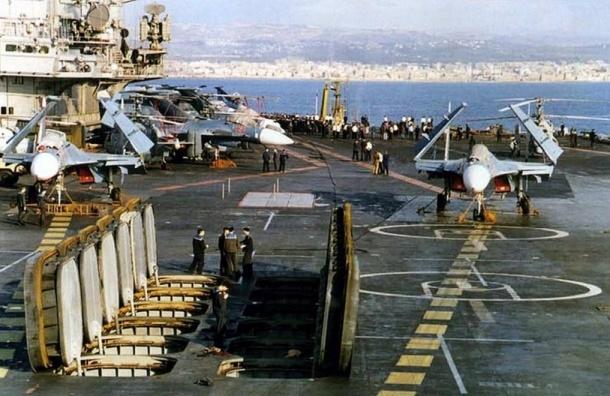 Эксперты назвали причину падения Су-33 с крейсера «Адмирал Кузнецов»