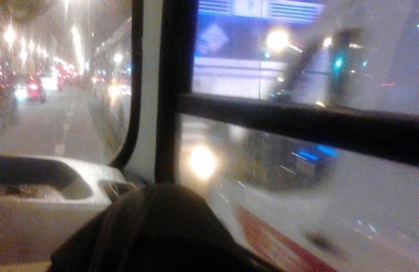 Пассажирка умерла в автобусе на Маршала Жукова