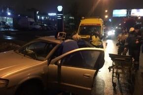 Nissan врезался в столб на Дунайском, у водителя случился инфаркт